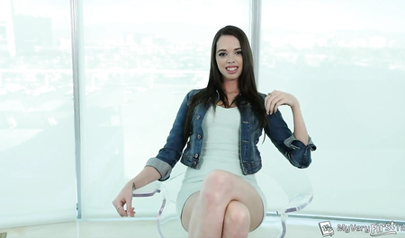 Slender brunette takes in the ass dick of agent on casting