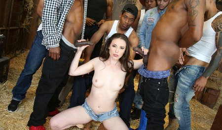To vacationers blacks to the farm comes a girl and not get bored