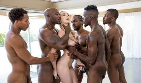 Interracial Gangbang slender blonde with black lovers in the course Geng-Beng