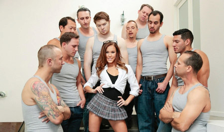 Juicy brunette Megan rain is a blessed couple of guys at the same time