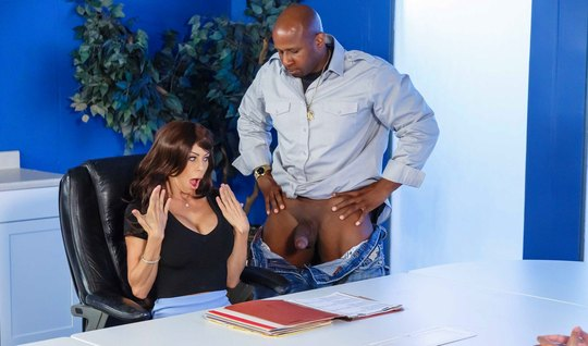 Business-woman flogged with a big Negro with a big dick in the workplace