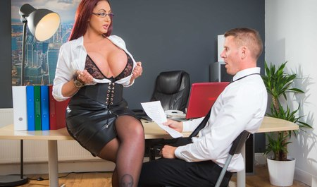 Busty milf in the face of the business-woman is trying the case member of the new employee