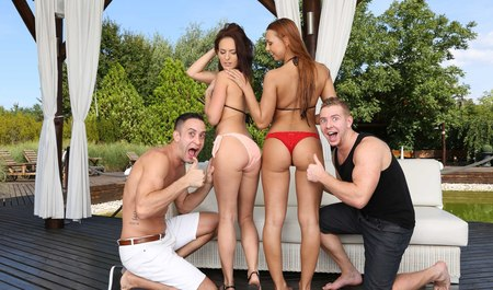 Young girls meet boys and do Threesome on vacation